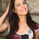 Carly Pope Bra Size, Age, Weight, Height, Measurements