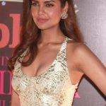 Esha Gupta Net Worth