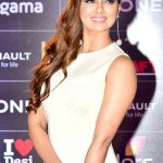Sana Khan Net Worth