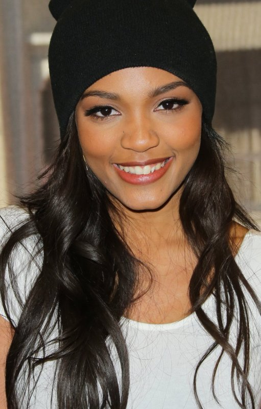 china anne mcclain песни