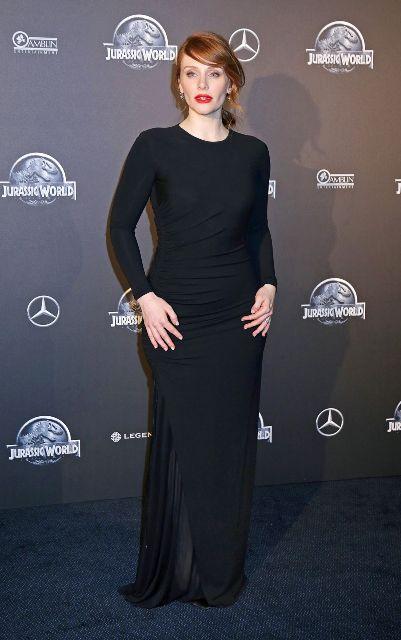 Laura dern celebrity net worth