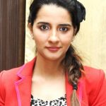 Shruti Seth Bra Size, Age, Weight, Height, Measurements