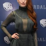 Madelaine Petsch Bra Size, Age, Weight, Height, Measurements