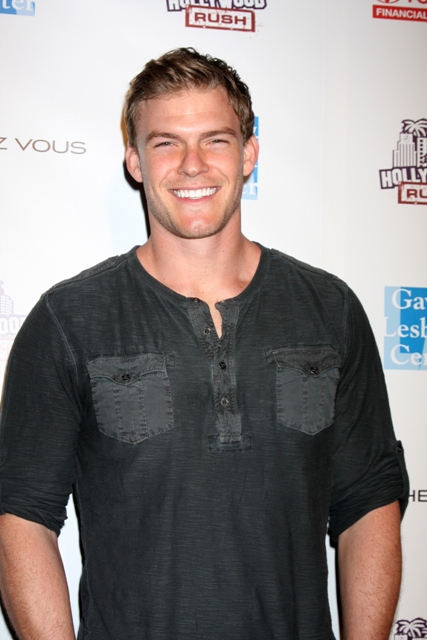 Alan Ritchson Age, Weight, Height, Measurements ...