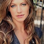 Jes Macallan Bra Size, Age, Weight, Height, Measurements
