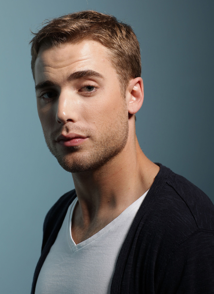 dustin milligan age weight height measurements