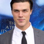 Finn Wittrock Net Worth