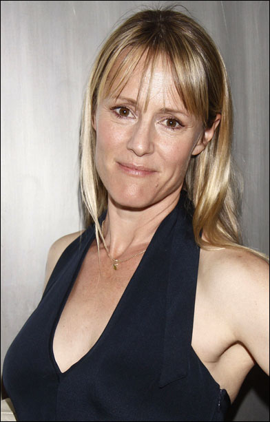 The 52-year old daughter of father Peter Masterson  and mother Carlin Glynn Mary Stuart Masterson in 2018 photo. Mary Stuart Masterson earned a  million dollar salary - leaving the net worth at 3 million in 2018