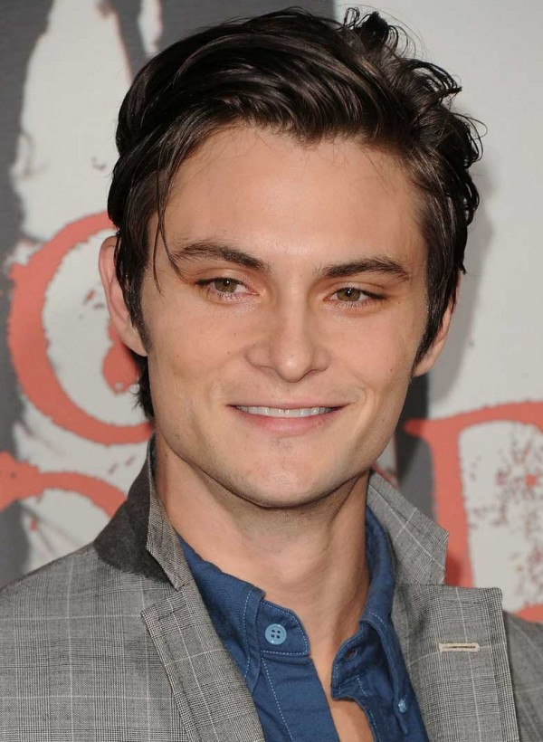 Shiloh Fernandez Age, Weight, Height, Measurements