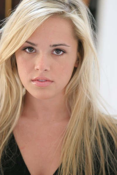 Natalie Hall Bra Size, Age, Weight, Height, Measurements