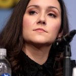 Shannon Woodward Bra Size, Age, Weight, Height, Measurements
