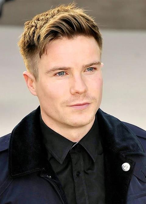 Joe Dempsie Age, Weight, Height, Measurements - Celebrity ...