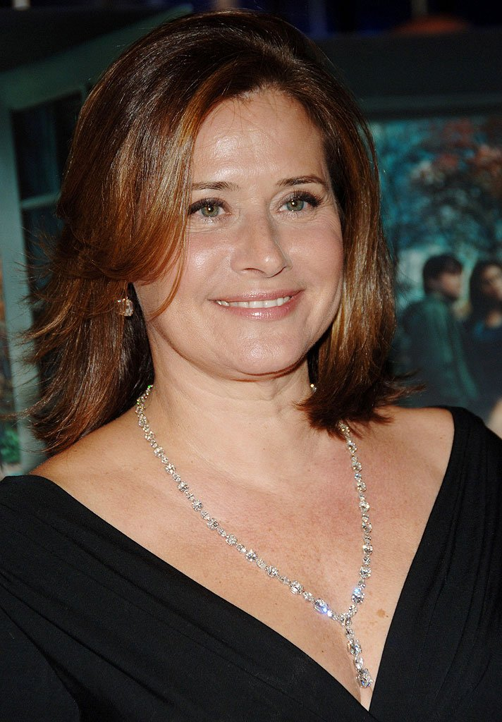 Lorraine Bracco Net Worth - Celebrity Sizes