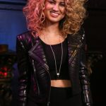 Tori Kelly Bra Size, Age, Weight, Height, Measurements