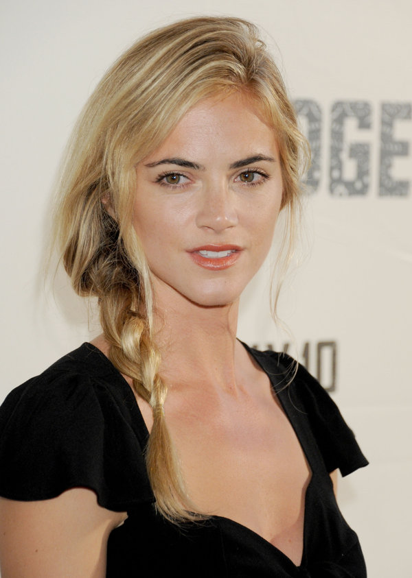 Emily wickersham diet plan celebrity sizes - Emily wickersham gardener of eden ...