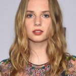 Maya Hawke Bra Size, Age, Weight, Height, Measurements