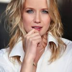 Jessy Schram Workout Routine