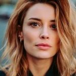 Arielle Vandenberg Bra Size, Age, Weight, Height, Measurements