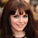 Tamla Kari Bra Size, Age, Weight, Height, Measurements