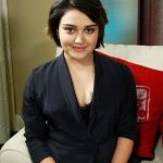 Ariela Barer Bra Size, Age, Weight, Height, Measurements
