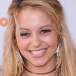 Gage Golightly Bra Size, Age, Weight, Height, Measurements