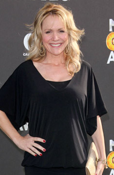 Barbara Alyn Woods Bra Size Age Weight Height