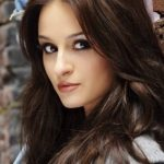 Melanie Papalia Bra Size, Age, Weight, Height, Measurements