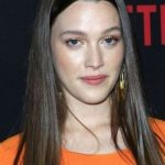 Victoria Pedretti Bra Size, Age, Weight, Height, Measurements