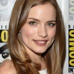 Willa Fitzgerald Bra Size, Age, Weight, Height, Measurements