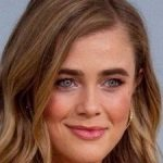 Melissa Roxburgh Bra Size, Age, Weight, Height, Measurements