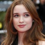 Alice Englert Net Worth