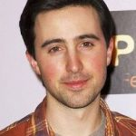 Josh Zuckerman Net Worth